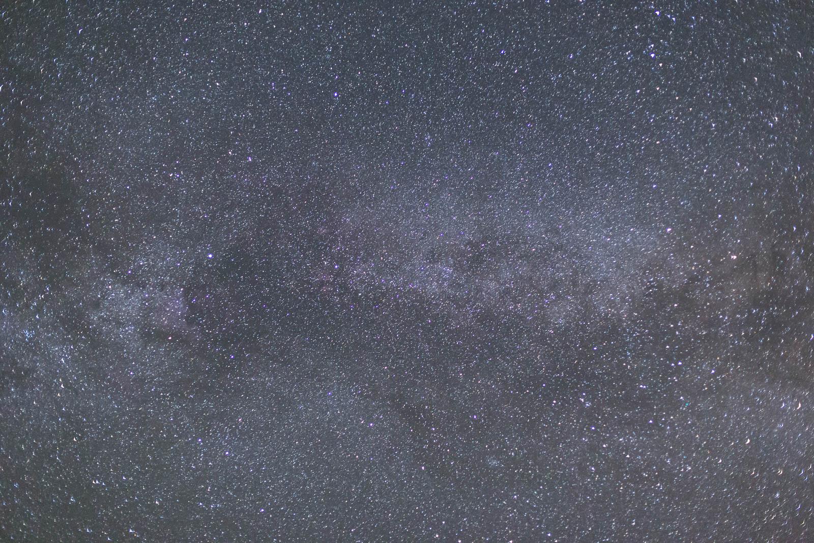 Hattyú csillagkép 50mm-s objektívvel fényképezve