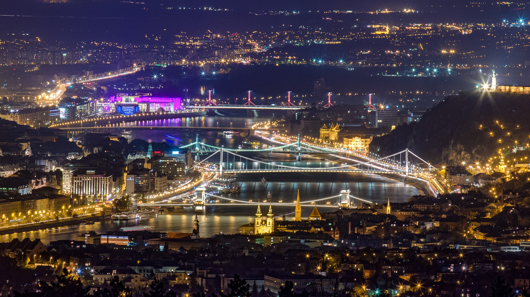Budapest ejjel a Harmashatar-hegyrol