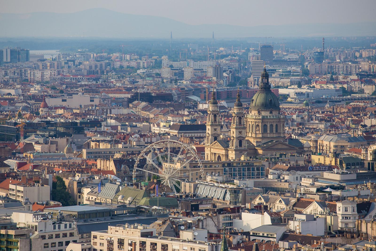 Szent István Bazilika és Váci út a Citadelláról