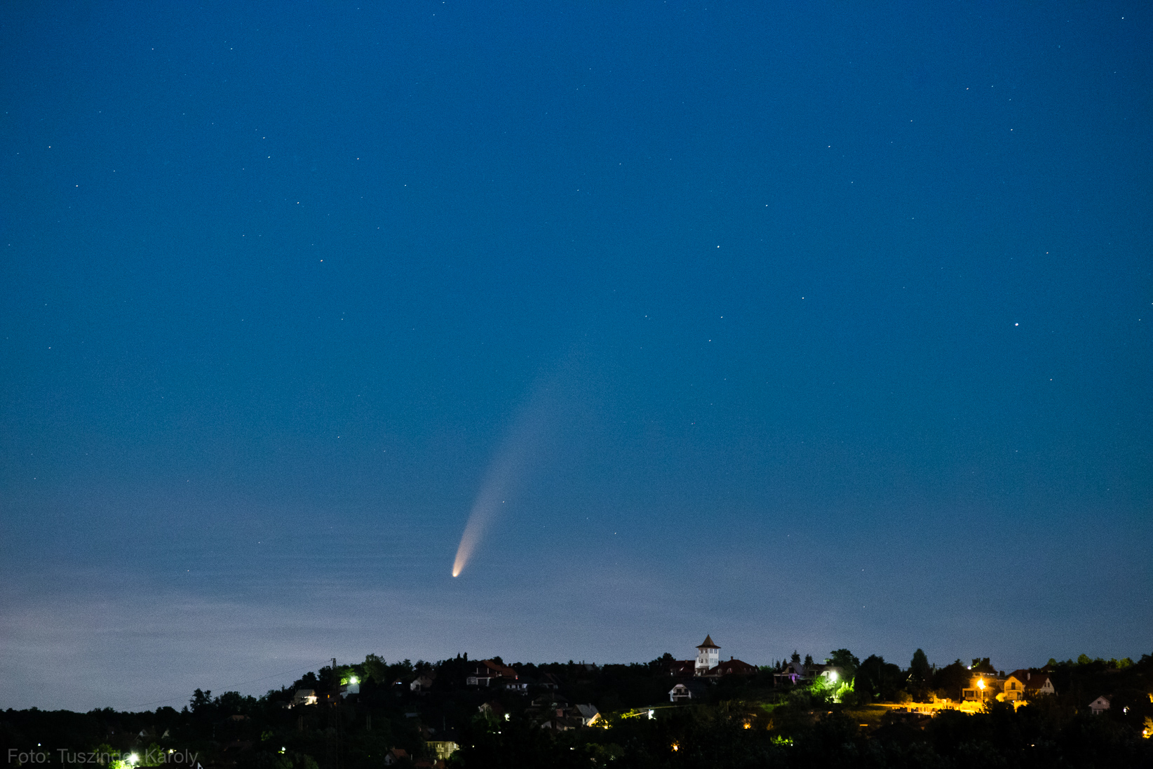 Tuszinger Károly fotója a C/2020 F3 (NEOWISE) üstökösről