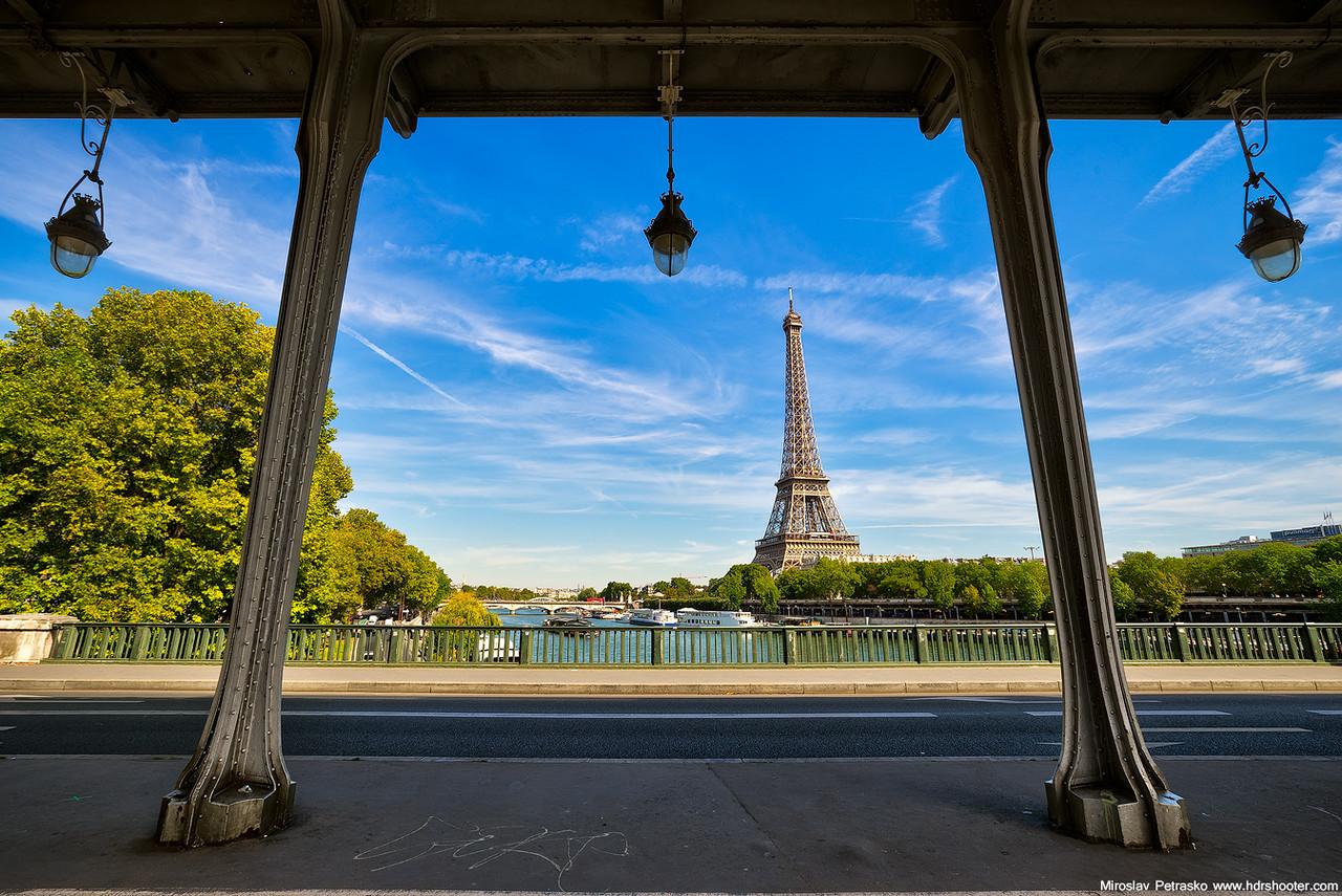 Eiffel torony keretben