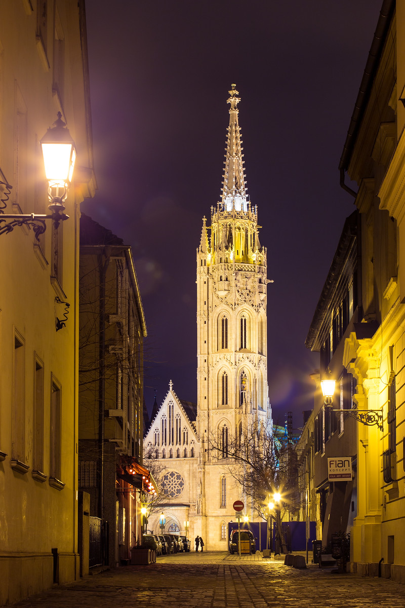 Mátyás templom éjjel a Budai Várban